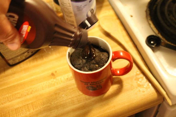 Gravity Cake Mug