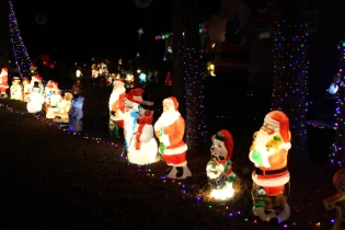 Gaddy's Light Display '17 (11)