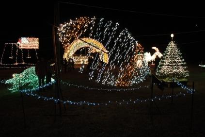 Gilley's Christmas Lights '17 (34)