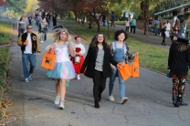 Halloween On Glenwood Terrace 2018 (106)