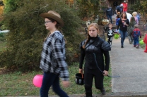 Halloween On Glenwood Terrace 2018 (113)