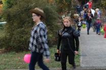Halloween On Glenwood Terrace 2018 (113)