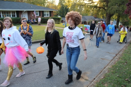Halloween On Glenwood Terrace 2018 (122)