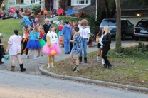 Halloween On Glenwood Terrace 2018 (128)
