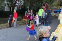 Halloween On Glenwood Terrace 2018 (138)