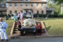 Halloween On Glenwood Terrace 2018 (14)