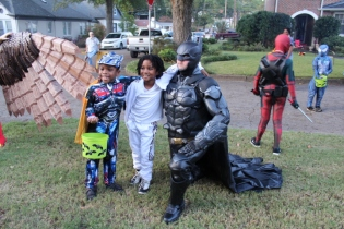 Halloween On Glenwood Terrace 2018 (165)