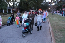 Halloween On Glenwood Terrace 2018 (189)