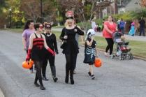 Halloween On Glenwood Terrace 2018 (26)