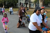 Halloween On Glenwood Terrace 2018 (46)
