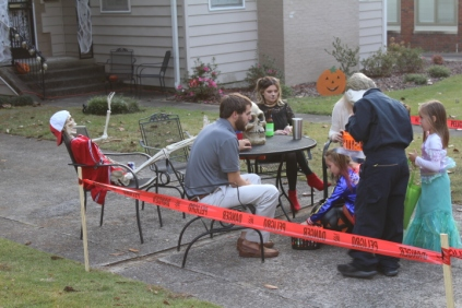 Halloween On Glenwood Terrace 2018 (56)
