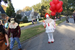 Halloween On Glenwood Terrace 2018 (77)