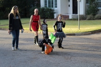 Halloween On Glenwood Terrace 2018 (79)