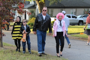 Halloween On Glenwood Terrace 2018 (88)