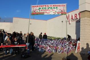 Kiwanis & Martin's Bicycle Giveaway (22)