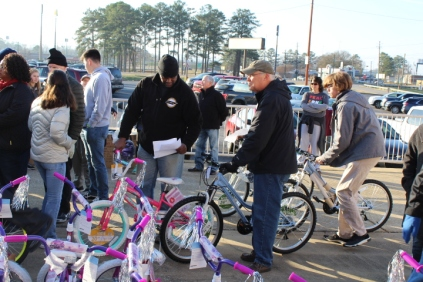 Kiwanis & Martin's Bicycle Giveaway (31)