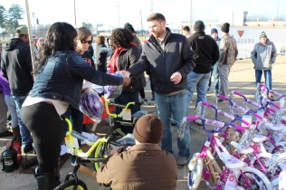 Kiwanis & Martin's Bicycle Giveaway (54)