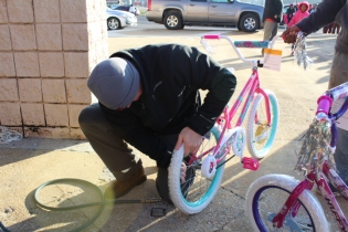 Kiwanis & Martin's Bicycle Giveaway (55)