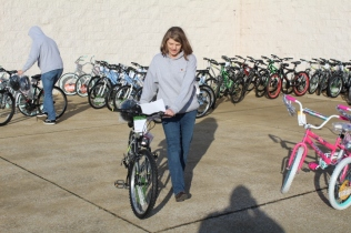 Kiwanis & Martin's Bicycle Giveaway (65)