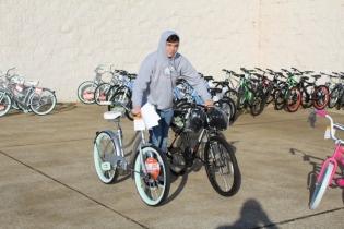 Kiwanis & Martin's Bicycle Giveaway (66)