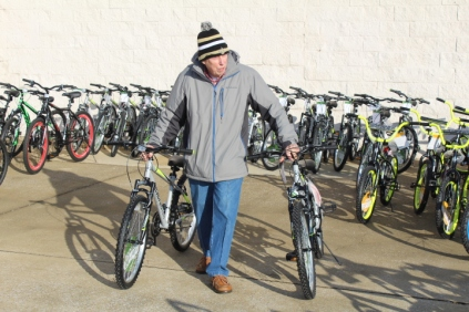 Kiwanis & Martin's Bicycle Giveaway (75)
