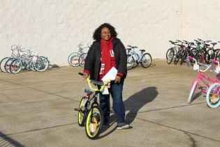 Kiwanis & Martin's Bicycle Giveaway (88)