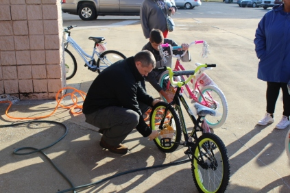 Kiwanis & Martin's Bicycle Giveaway (89)