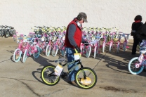 Kiwanis & Martin's Bicycle Giveaway (91)