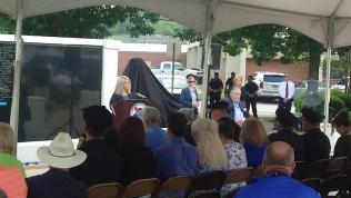 Kay Ivey Anniston Police Memorial (1)