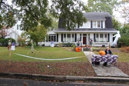 Halloween At Glenwood Terrace 2019 (34)