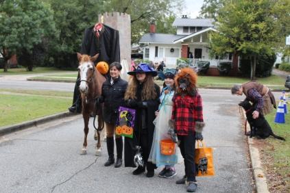 Halloween At Glenwood Terrace 2019 (42)