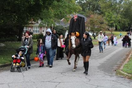 Halloween At Glenwood Terrace 2019 (78)